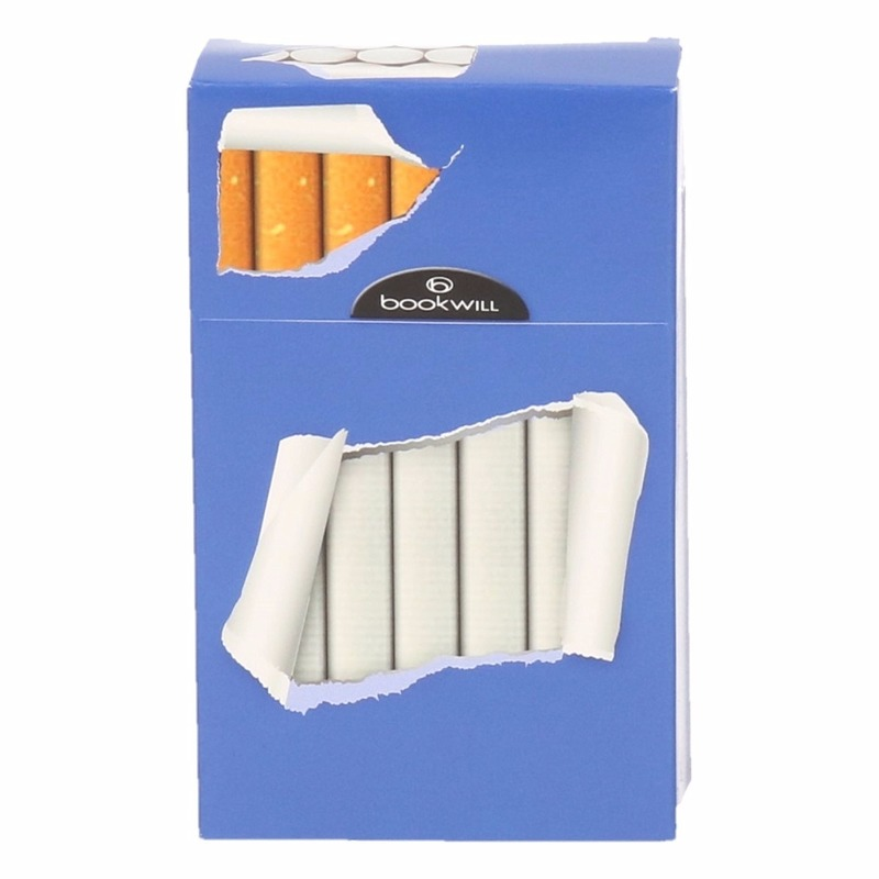 Sigarettenpakje hoesje blauw gescheurd