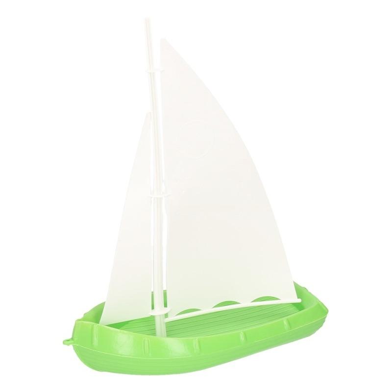 Speelgoed/badspeeltje zeilboot groen